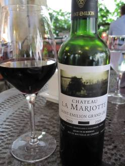Chateau La Mariotte was company to lamb chops at dinner at Logis de la Cadene