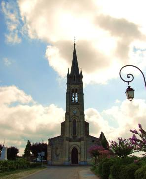 Church next to Chateau St. Pierre in Pomerol — in Pomerol.