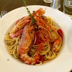 Il GIRASOLE: Pasta with Laungousstines & tomatoes